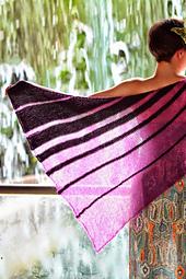Gwen_dragonfly_shawl_284_small_best_fit