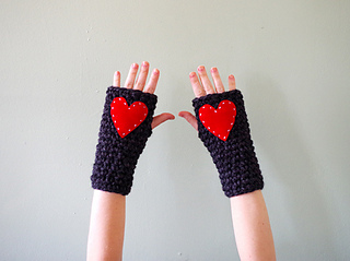 Chunky_wrist_warmers_smaller_small2