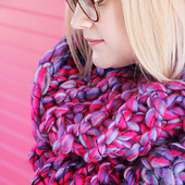 Mega-bulky-cowl-1sq_small_best_fit