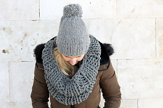 Ravelry Super Chunky Infinity Scarf Pattern By Louise Bollanos