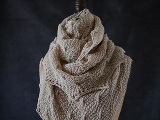 Wavy_cable_shawl_5_small2