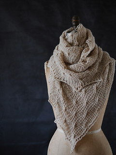 Wavy_cable_shawl_6_small2