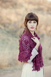Manda_shah_trillium_shawl_1_small2