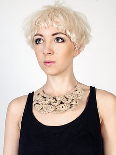 Crochet_bib_necklace_kit_small2