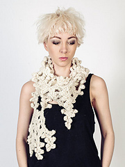 Snowflake_crochet_scarf_pattern_small