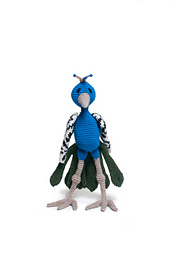 Crochet_peacock_amigurumi_bird_pattern_small_best_fit