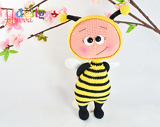 Bee_9_small2