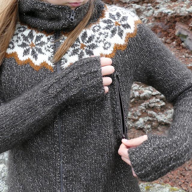chandail tricoté Útivist par Hélène Magnússon