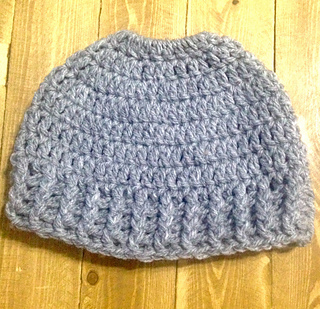 Ravelry Messy Bun Hat Pattern By Oor Woolly