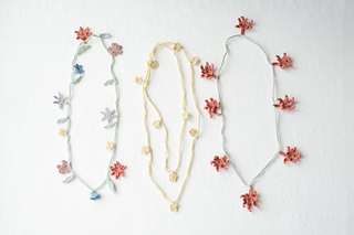 Chain_of_posies_1_small2