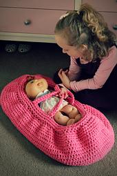 Dolly_s_moses_basket1_-_lisa_van_klaveren_small_best_fit