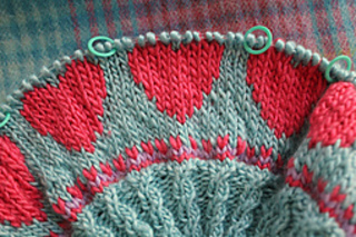 Knitting_5198_small2