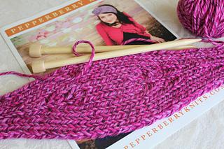 Knitting_4678_small2