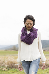 Ric_rac_infinity_scarf_hero_pattern_cover_line_sheet__427x640__small_best_fit