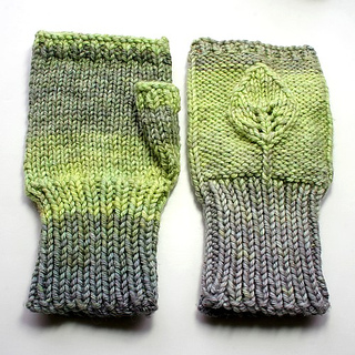 Leafy_mitts2_small2