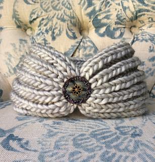 Izamight_headband_2_small2