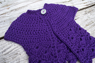14-in-the-thick-of-it_crochet-baby-sweater_100-baby-sweater-patterns_08_small2