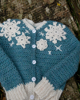 16-snowflake-baby-sweater-crochet01_small2