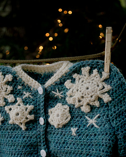 16-snowflake-baby-sweater-crochet07_small2