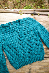 Simple-crochet-v-neck-baby_03_small_best_fit