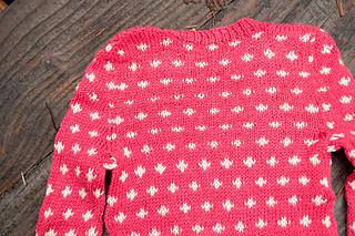 Polka-dot-baby-sweater-pattern_back-view_small2