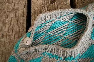 Baby-sweater-open-neckline_small2