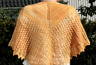 Something_beautifu_shawl2_small2