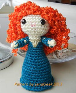Merida_arms_up_crop_sig_small2