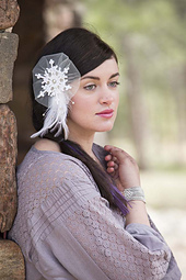 Snow_queen_fascinator__1__small_best_fit