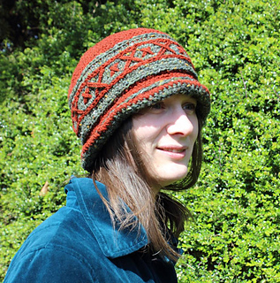 Russian_hat_cait5_morecrochet0003_small2