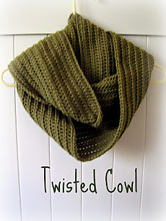 Twisted_cowl_small2