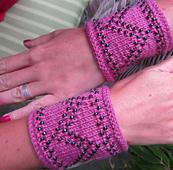 Glow_wristlets1_copy_small_best_fit