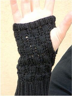 Nancy_gloves3_small2