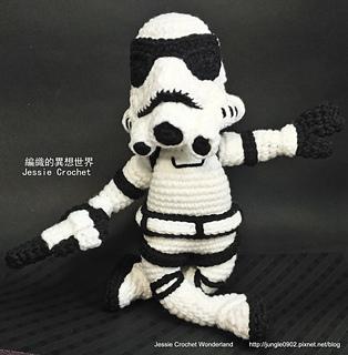 Crochet_stormtrooper_-_crochet_stormtrooper___star_wars_-crochet_free_pattern_stormtrooper_-----_-____star_wars-crochet_star_wars_stormtrooper11_small2