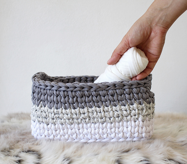 Ravelry Ombre Rectangle Basket Pattern By Jessica Venture