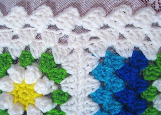 Mitered_summer_daisy_border_2_small2