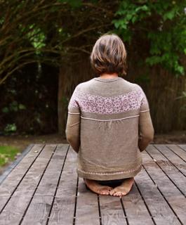 Sügis sweater pattern by Fräulein Städtisch