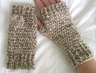Tweed_mittens_small2