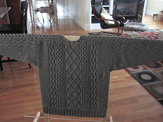 Dev_s_sweater_img_4142_small2