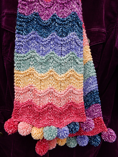 Rippling_rainbow_scarf__1__small2