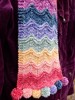 Rippling_rainbow_scarf__4__small2