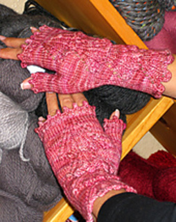 Dogwood_mitts_8_small2