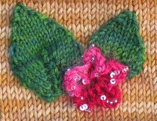 Handwork_mitts_knitted_leaf_detail_small2