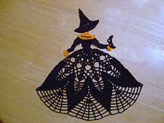 Witch_doily_002_small