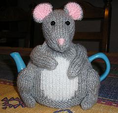 Mouse_tea_cosy_small