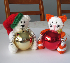 Bear___cat_baubles_1_small
