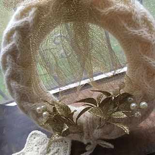 Cabled_christmas_wreath_6_small2