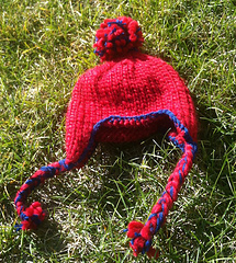 Hat_on_grass_small