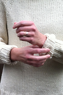 Karentempler_ivory_pullover_cuffs_small2