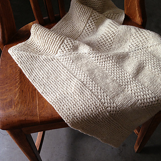 Textured_shawl_on_chair_small2